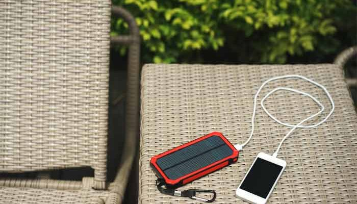 how to choose a portable solar charger