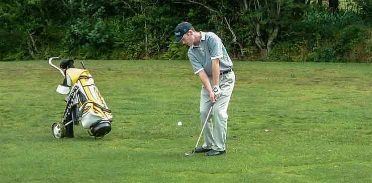 5 Ways to Improve Your Golf Chipping Skills